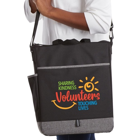 Volunteers 'Sharing Kindness, Touching Lives' Carryall Bags