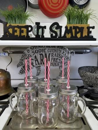 Sunshine Mason Co. Glass Mason Jar Drinking Mug set with handle, Silver lids and Red Stripe Straws, Set of 6